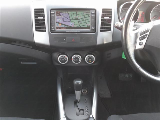 三菱 アウトランダー G 4WD HDDナビ バックカメラ DVD再生 CD