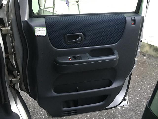 ベースグレード 4WD ワンオーナー 純正CDオーディオ ポータブルナビ パワーウィンドウ フォグランプ ドアバイザー フロアマット リモコンキー(25枚目)