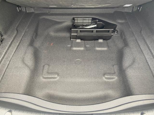 トランク床下収納!工具ももちろんあり!