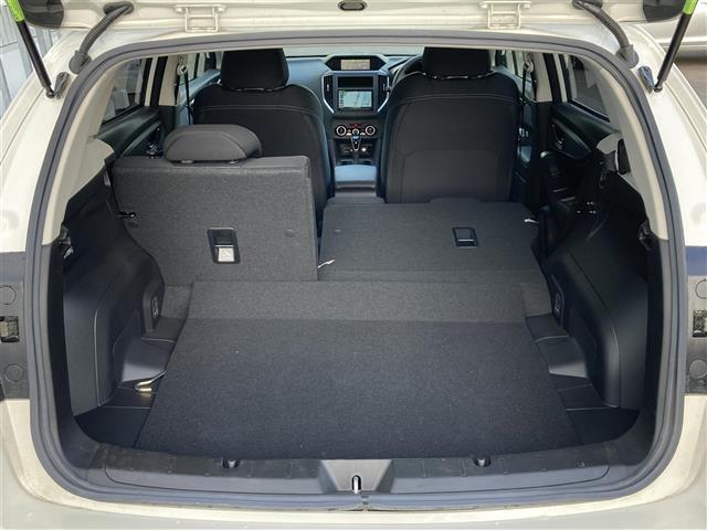 2.0i-Lアイサイト 4WD スマートキー 衝突軽減 横滑り防止装置 アイドリングストップ レーダークルーズ パドルシフト ステアリングリモコン ETC 社外メモリナビ BT/DVD/CD バックカメラ オートライト(17枚目)