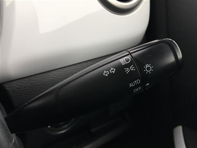 Xターボ 4WD 純ナビTV バックカメラ スマートキー プッシュスタート 横滑り防止装置 衝突軽減ブレーキ 運転席シートヒーター アイドリングストップ ステアリングリモコン オートライト HID(13枚目)