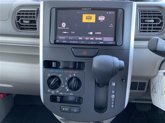 L 4WD 社外メモリナビ NR-MZ005 CD DVD BT バックカメラ アイドリングストップ D席シートヒーター ベンチシート ETC キセノンヘッドライト 横滑り防止装置(5枚目)