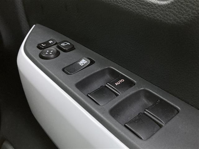X 4WD 社外メモリナビ DVD/CD/フルセグTV/BT 衝突軽減 レーンキープアシスト ステアリモコン シートヒーター 横滑り防止 アイドリングストップ オートライト エンジンプッシュスタート(12枚目)