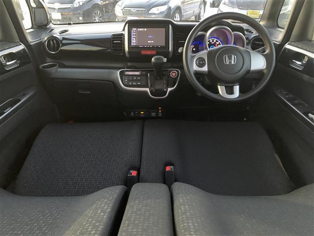 G SSパッケージ 4WD 横滑り防止 両パワスラ シートヒーター ミラーヒーター ETC オートライト HID 外メモリナビ DVD BT フルセグTV バックカメラ オートエアコン ベンチシート ステアリングリモコン(3枚目)