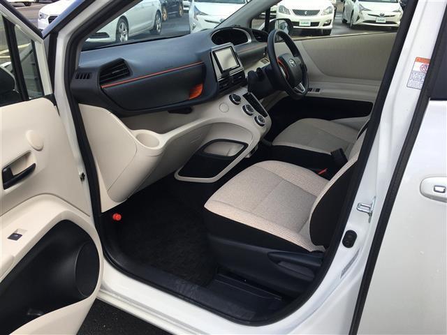 X 4WD 横滑り防止装置 ダブルエアバッグ ウォークスルー 3列シート 左側パワースライドドア ETC 社外メモリナビ CD TV バックカメラ プッシュスタート ステアリングリモコン(15枚目)