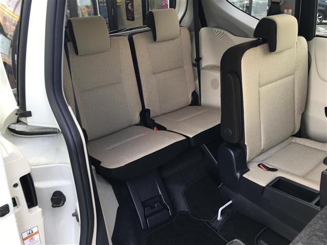 X 4WD 横滑り防止装置 ダブルエアバッグ ウォークスルー 3列シート 左側パワースライドドア ETC 社外メモリナビ CD TV バックカメラ プッシュスタート ステアリングリモコン(18枚目)