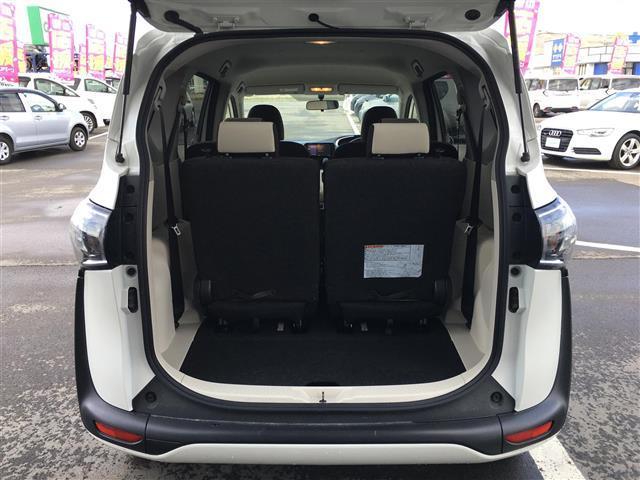 X 4WD 横滑り防止装置 ダブルエアバッグ ウォークスルー 3列シート 左側パワースライドドア ETC 社外メモリナビ CD TV バックカメラ プッシュスタート ステアリングリモコン(20枚目)