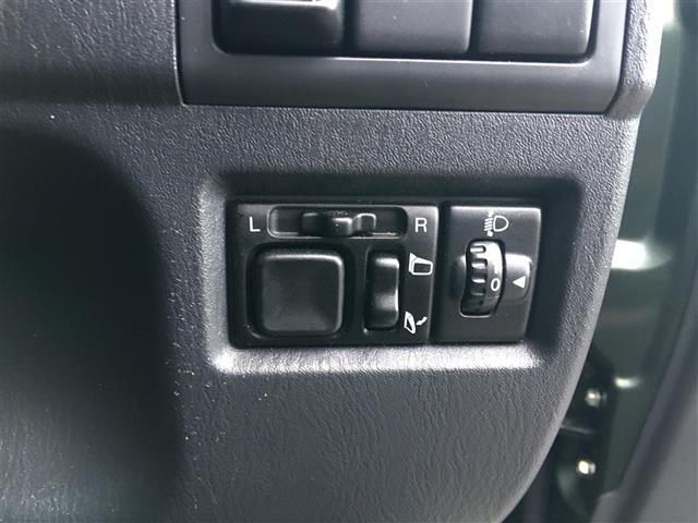 ランドベンチャー パートタイム4WD リモコンキー 社外オーディオCD 運転席シートヒーター 電動格納ミラー ヘッドライトレベライザー フォグライト 夏冬タイヤ(27枚目)