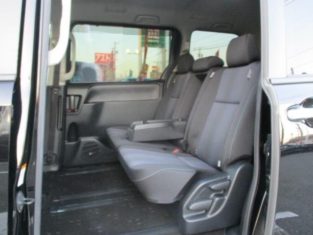 「トヨタ」「ヴォクシー」「ミニバン・ワンボックス」「三重県」の中古車16
