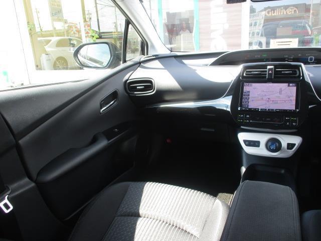 S トヨタセーフティセンスP 社外9型ナビ スマートキー プッシュスタート(9枚目)