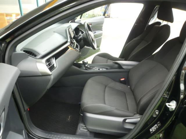 「トヨタ」「C-HR」「SUV・クロカン」「和歌山県」の中古車9
