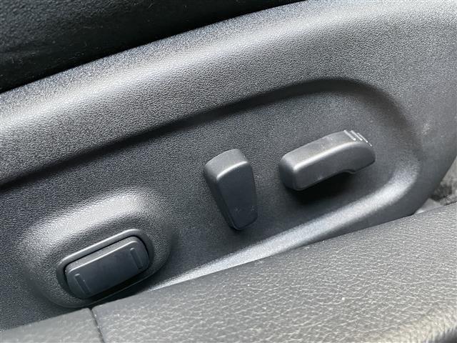 XL ワンオーナー アラウンドビューモニター コネクトナビ CD DVD Bluetooth フルセグTV 前席パワーシート ETC クルコン 踏み間違い衝突防止アシスト 衝突軽減ブレーキ VSC USB(11枚目)