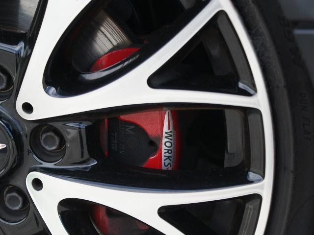 ジョンクーパーワークス 6速MT 4WD ターボ 黒皮(15枚目)
