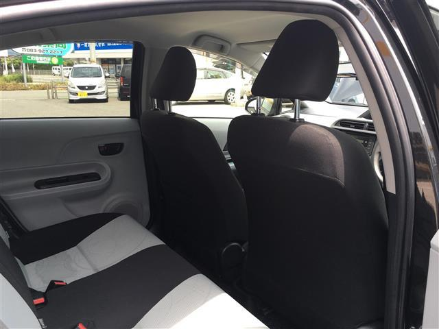 トヨタ アクア S ワンオーナー ETC スタッドレス付き