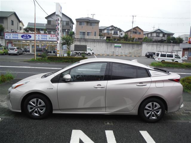 「トヨタ」「プリウス」「セダン」「東京都」の中古車6
