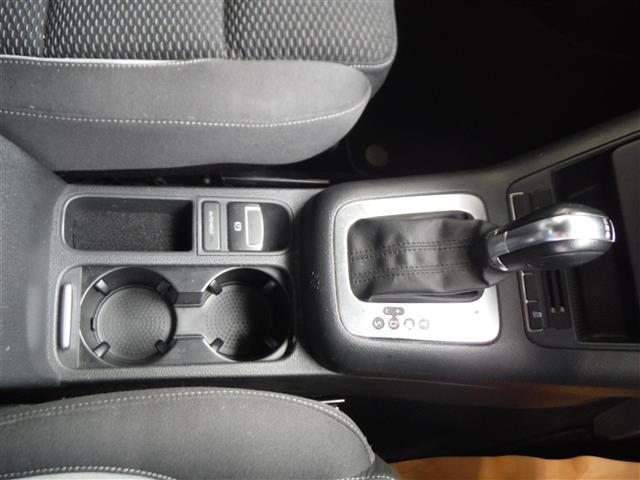 2.0TSI Rライン 4モーション 4WD 保証書 取説 純正ナビ 地デジ DVD BLUETOOTH バックカメラ ETC 純正19インチAW キセノンライト クルーズコントロール パークセンサー キーレス2個 ドライブレコーダー(13枚目)