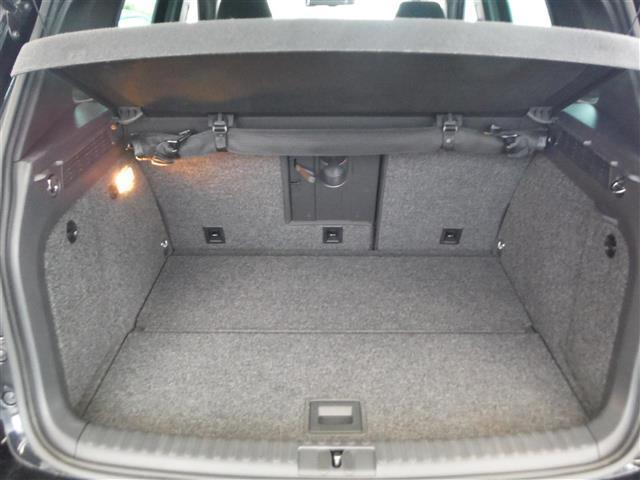 2.0TSI Rライン 4モーション 4WD 保証書 取説 純正ナビ 地デジ DVD BLUETOOTH バックカメラ ETC 純正19インチAW キセノンライト クルーズコントロール パークセンサー キーレス2個 ドライブレコーダー(16枚目)