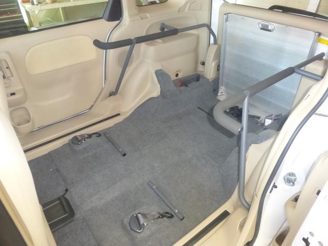 トヨタ シエンタ ウェルキャブ スローパー3名定員 無料1年保証付