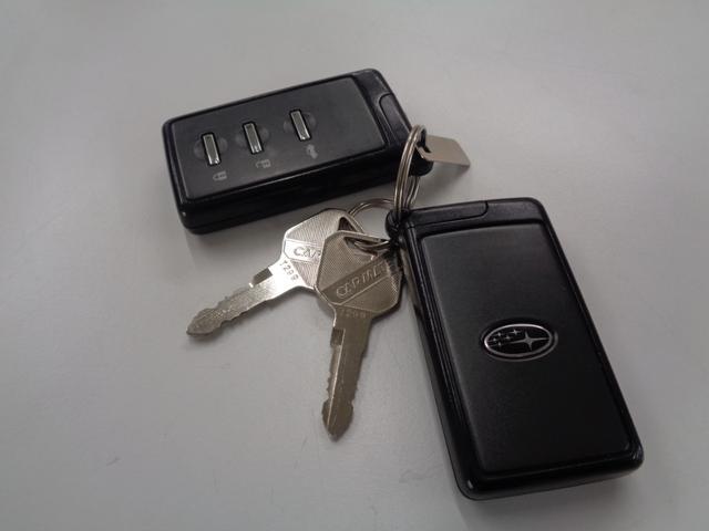 2.5i Bスポーツアイサイト Gパッケージ 純正HDDナビ フルセグTV Bluetoothオーディオ オートエアコン スマートキー パドルシフト クルーズコントロール アイサイト ETC パワーシート ルーフボックス AWD ワンオーナー(36枚目)