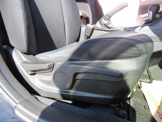 運転席の座面ですらヘタリも少ないです
