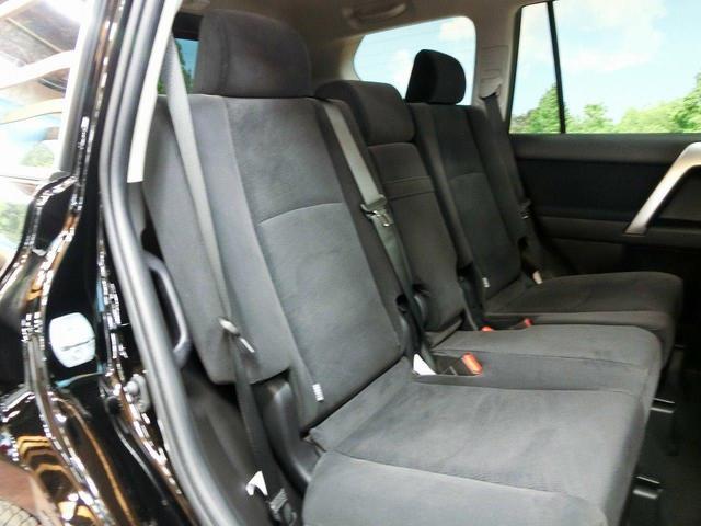 トヨタ ランドクルーザープラド TX 登録済未使用車 サンルーフ 7人乗 クリアランスソナー