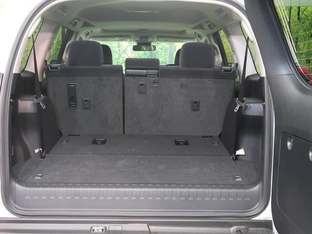 サードシートを倒すことでバリエーション豊かに収納でき、より大容量のラゲッジスペースが確保できます!