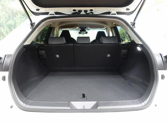 S 登録済未使用車 新型ディスプレイオーディオ セーフティセンス レーダークルーズ クリアランスソナー LEDヘッド バックカメラ 純正17アルミ スマートキー(13枚目)