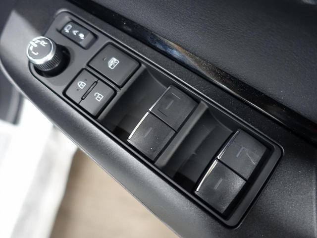 S 登録済未使用車 新型ディスプレイオーディオ セーフティセンス レーダークルーズ クリアランスソナー LEDヘッド バックカメラ 純正17アルミ スマートキー(43枚目)