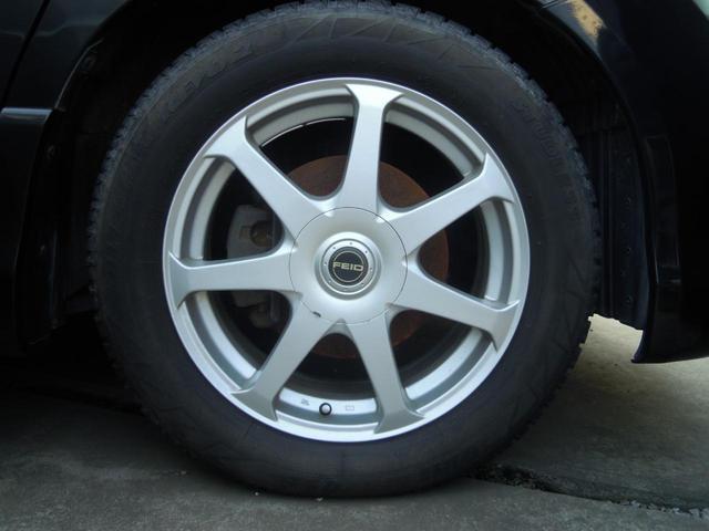 タイヤ交換も賜っております!新品・中古タイヤやスタッドレスタイヤ等も、お安く提供させて頂いてます☆ぜひご相談くださいね!