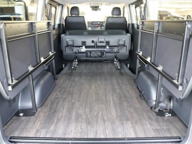 トヨタ ハイエースバン アレンジFU-N 2ndシートスライド 床張り施工