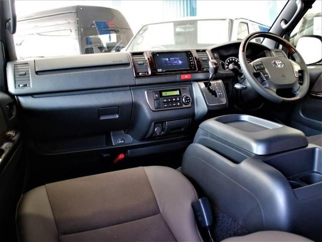2.8 S-GL 50周年特別仕様車 ディーゼルターボ4WD(2枚目)