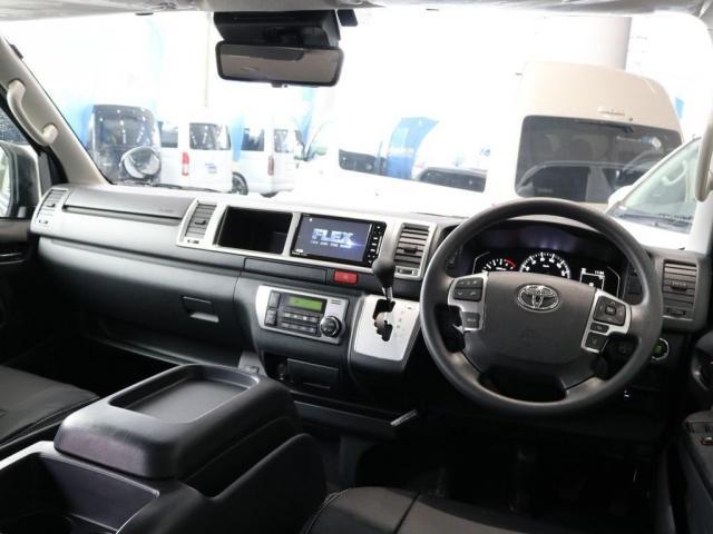 GL バージョン1内装架装 ベッドキット フローリング テーブル ナビ フリップダウンモニター FLEXカスタム ETC2.0 ローダウン アルミホイール 4WD 寒冷地 コーナーセンサー(2枚目)