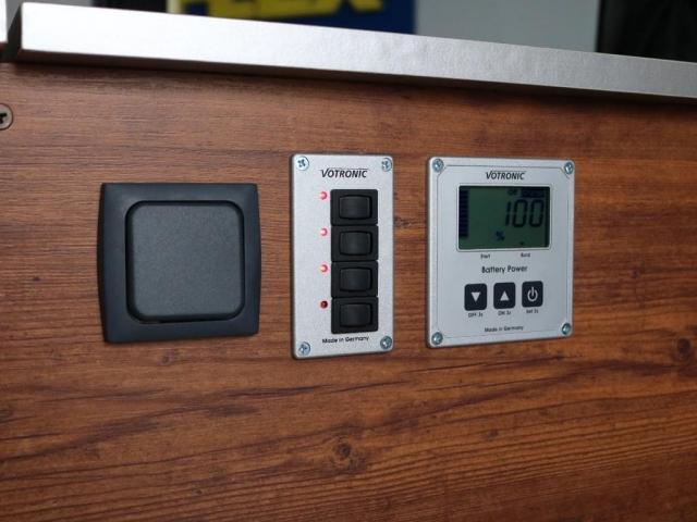 ロングDX GLパッケージ NH-タイプIIキャンピング FLEXキャンピング ナローハイルーフ パナソニック10インチナビ ブルーレイ再生 有機EL再生 パノラミックビューモニター サブバッテリーシステム 冷蔵庫(13枚目)