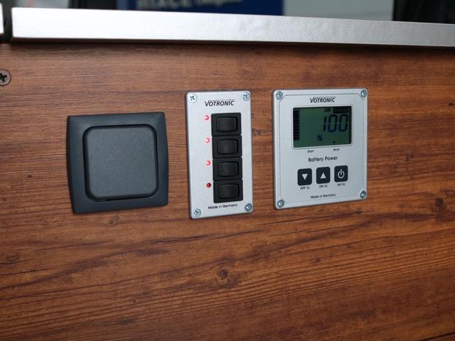 ロングDX GLパッケージ NH-タイプIIキャンピング FLEXキャンピング ナローハイルーフ パナソニック10インチナビ ブルーレイ再生 有機EL再生 パノラミックビューモニター サブバッテリーシステム 冷蔵庫(47枚目)