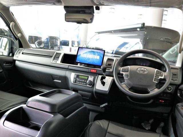 GL アレンジAS内装架装ローリング ベッドキット セカンドシート3人掛け 10インチパナソニックナビ ブルーレイ再生 後席フリップダウンモニター パノラミックビューモニター(2枚目)