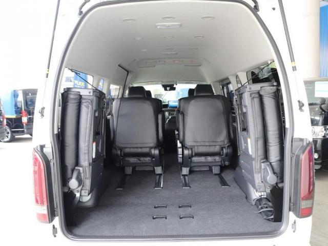 グランドキャビン ファインテックツアラー 4WD寒冷地仕様 キャプテンシート 10インチナビ ブルーレイ再生 ローダウン FLEXカスタム(10枚目)