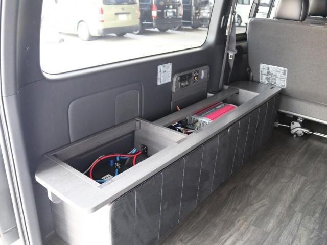 スーパーGL ダークプライムII バージョン4 エレコサブバッテリーシステム 外部電源ソケット フローリング ベッドキット 車中泊仕様 FLEXカスタム(11枚目)