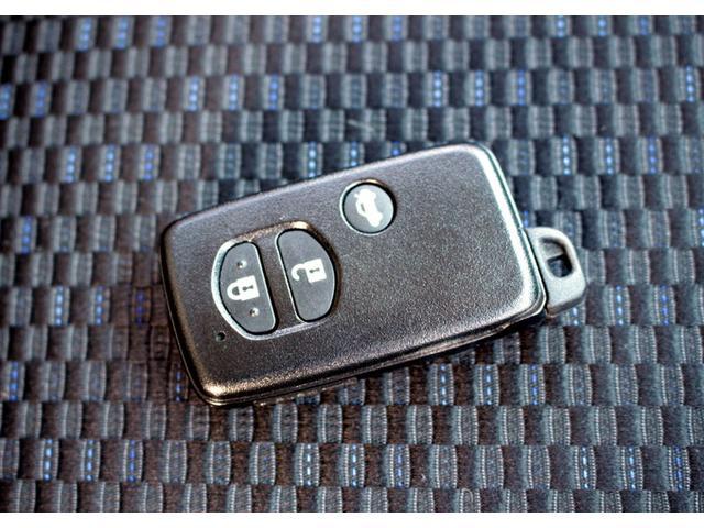 スバル フォレスター 2.0i-L 4WD 6MT HDDナビ Bカメラ 17AW