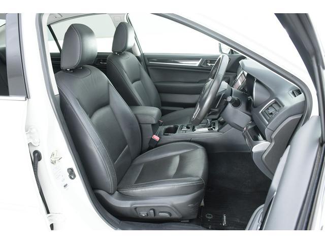 リミテッド 4WD サンルーフ 黒本革 8型専用ナビ STi(6枚目)