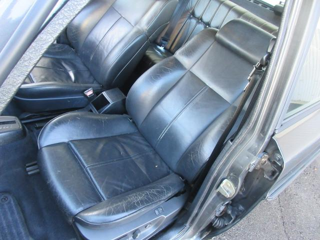 ボルボ ボルボ 240 社外17アルミ 車高調