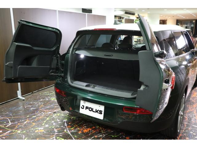 きちんと確保されたトランクは意外と荷物が収納できます。座席を倒し大きな荷物にも対応可能!