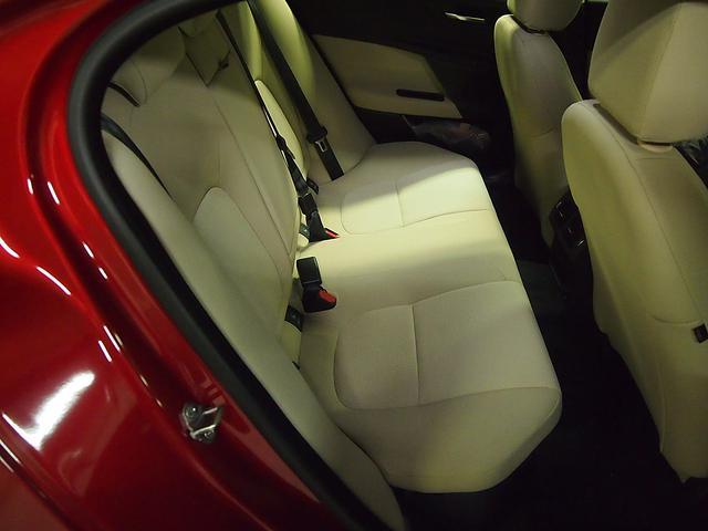 ジャガー ジャガー XE アドバンテージエディション メーカー保証付き 2016