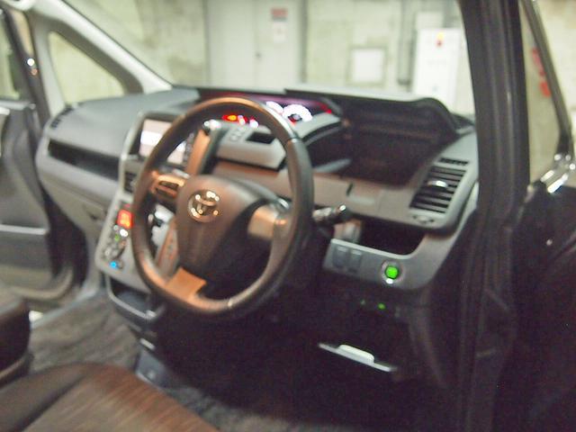 「トヨタ」「ヴォクシー」「ミニバン・ワンボックス」「東京都」の中古車31