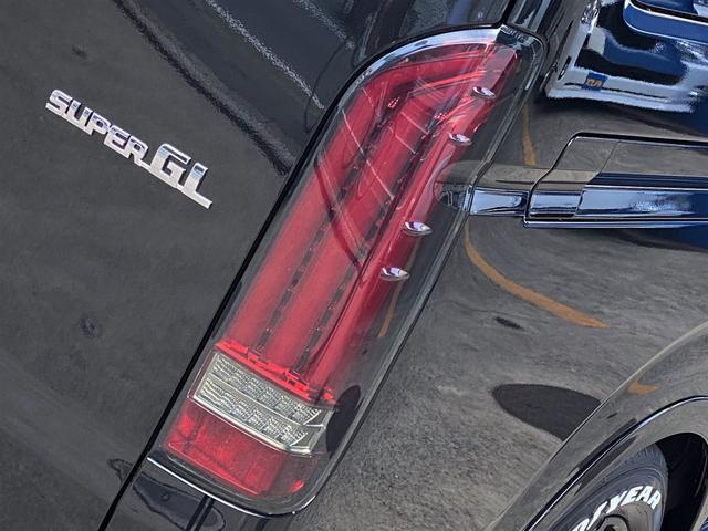 スーパーGL ダークプライムII FLEXカスタムパッケージ ローダウン フロントスポイラー オーバーフェンダー 17インチアルミ LEDテール フルセグナビ LEDヘッドライト 両側パワースライドドア パノラミックビューモニター(17枚目)