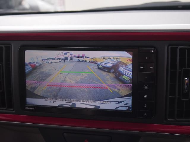 『バックカメラ』装備で駐車時の死角も少なくなり、安心して運転して頂けます♪