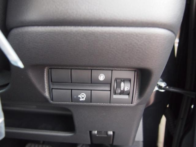 M 届出済未使用車 LEDライト衝突軽減B 車線逸脱警報(14枚目)