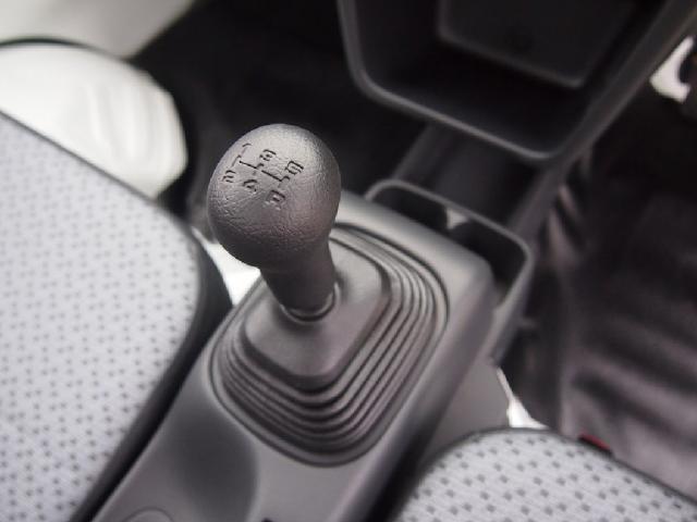 4WDミノリ 届出済未使用車 4WD 5速マニュアル(13枚目)
