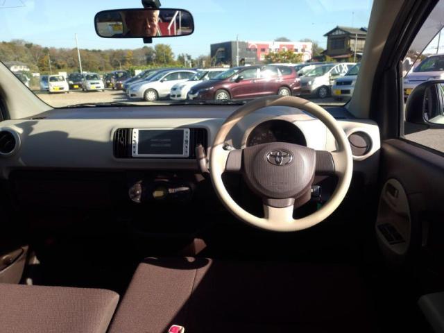 車内はシンプルながら、主張しすぎないオシャレさが人気のポイント