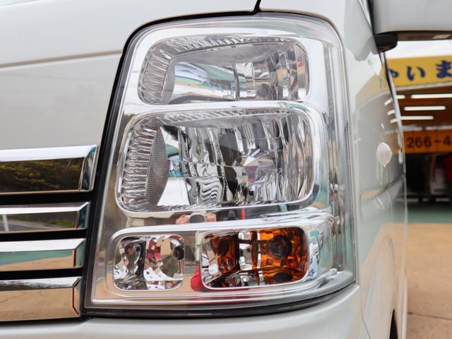 ヘッドライトにクスミも無く、外装もしっかり綺麗にしていますので、是非、お確かめください。納車時にはもう一度キレイにいたしますよ!