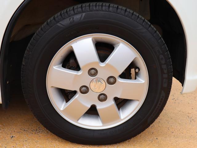 タイヤの溝もまだまだ十分残っています!